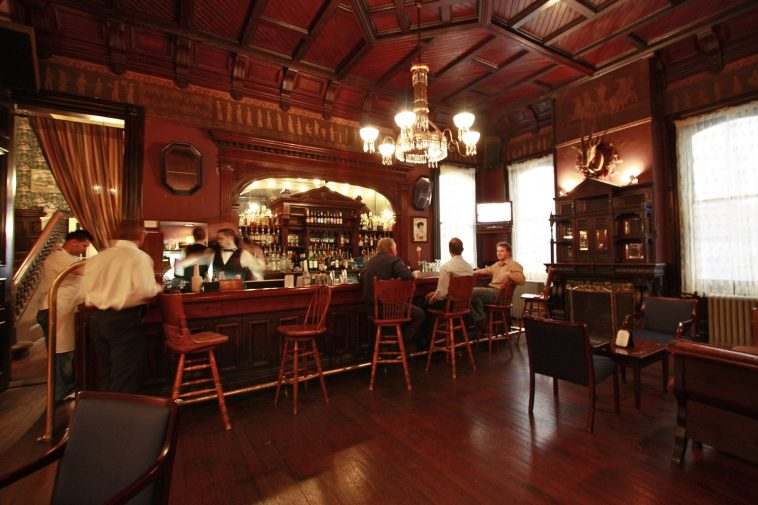 The Victorian Lounge