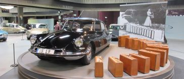 Citroën DS19 at the Mullin Museum in Oxnard, CA
