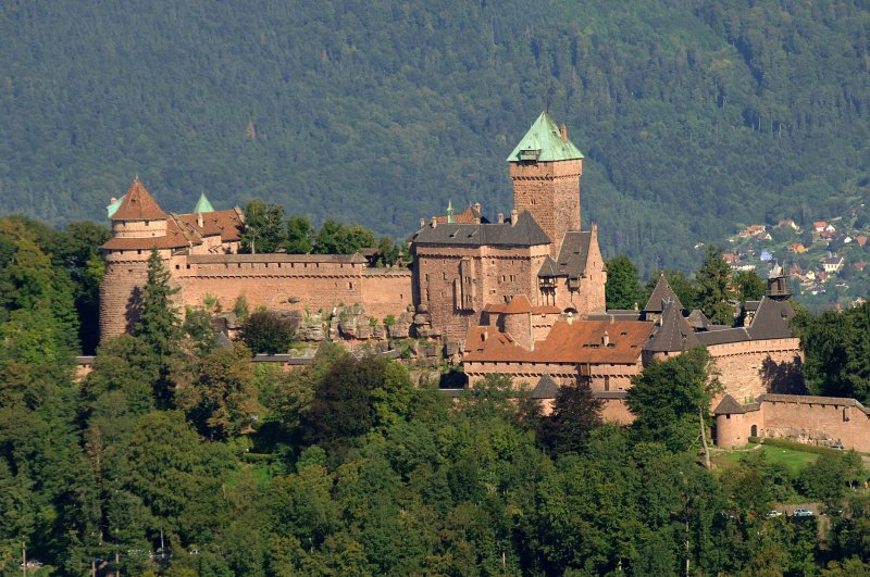 The chateau of Haut-Koenigsbourg, situated in the valley